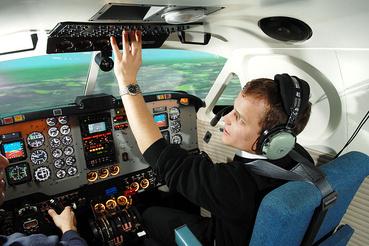 40 óra szimulátorban - műszeres repülés gyakorlat a pilótáknak