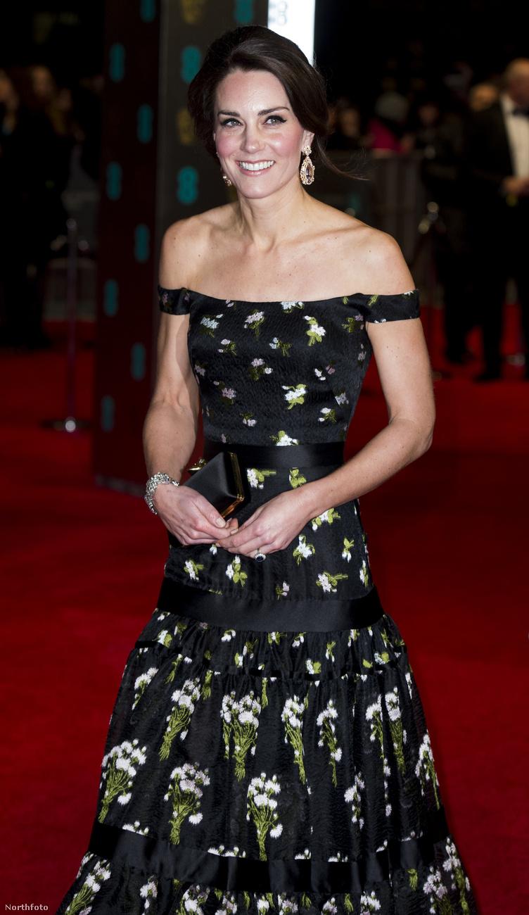 Például arról, hogy Katalin hercegné simán lenyomott mindenkit csillogásban, a brit filmesek gáláján.