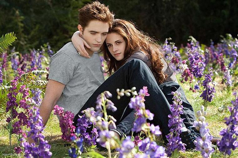 Robert Pattinson és Kristen Stewart.