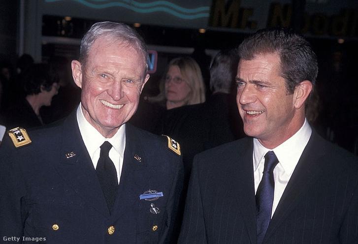 Harold G. Moore és Mel Gibson (2010)