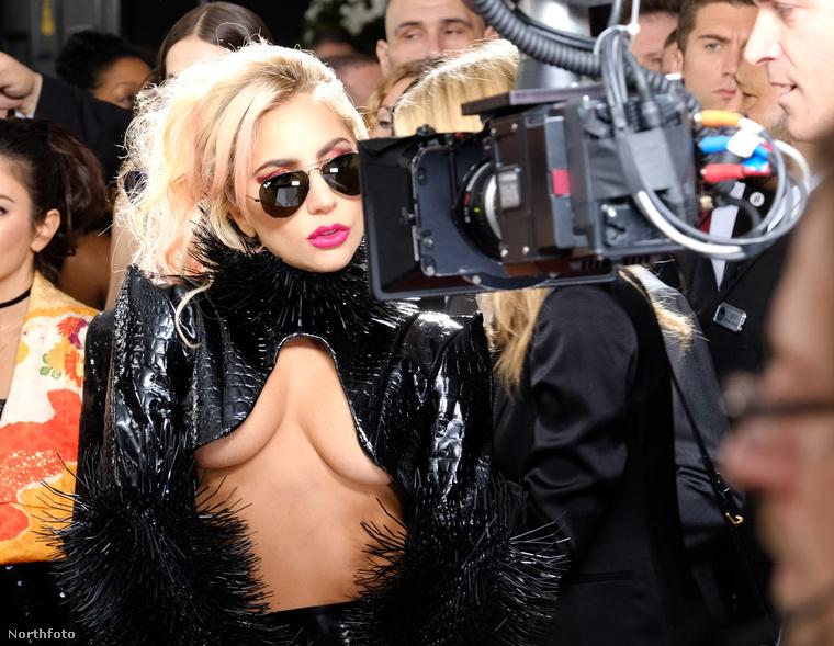 A vasárnap éjjel megrendezett Grammy-gála legfontosabb történéseit már összefoglaltuk, most pedig következzenek azok a nők, akik gyakorlatilag mindenüket megmutatták a Los Angeles-i díjátadón