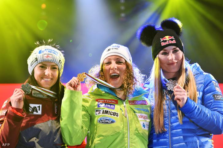 Stephanie Venier, lka Stuhec és Lindsey Vonn