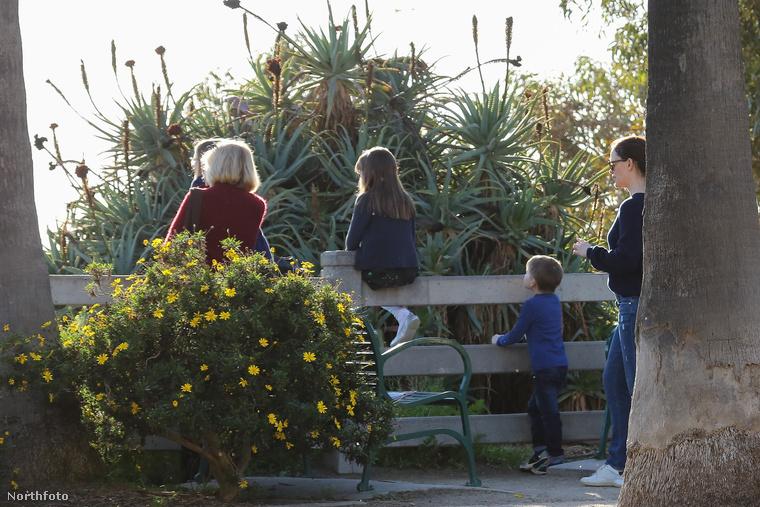 Bár amióta szétmentek, sokkal több közös kép jön szembe a családról, mint az elvárható lenne, ezúttal Affleck kihagyta a családi programot.