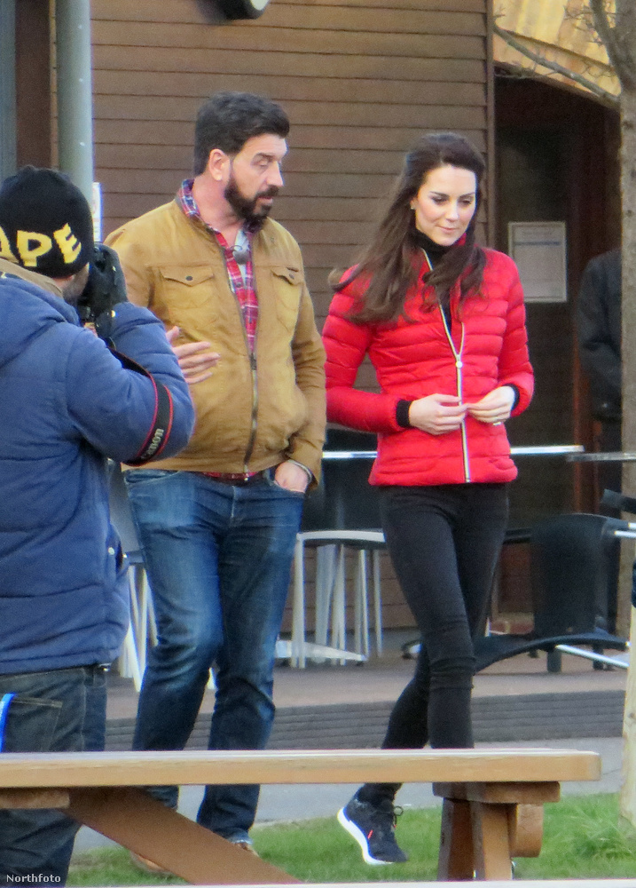 Katalin hercegné egy egyszerű, hétköznapi futó ruhában érkezett a forgatásra