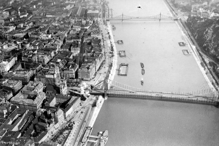 Dunai uszodák az Erzsébet és a Szabadság (Ferenc József) híd között 1930-ban