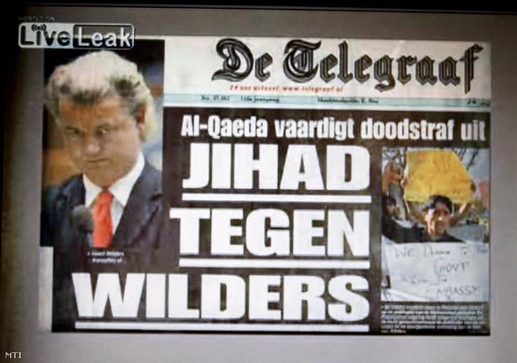 Geert Wilders holland szélsőjobboldali képviselő (képe balról) Fitna című, a Koránt bíráló 17 perces dokumentumfilmjének egy kockája a www.liveleak.com internetes oldalon 2008. március 27-én. A többek között bevándorlóellenes nézeteket hangoztató Szabadságpárt (PVV) politikusa ezen a napon tette fel a párt honlapjára a filmet, amely felháborodást keltett a muzulmánok között, és tiltakozó akciókat váltott ki.