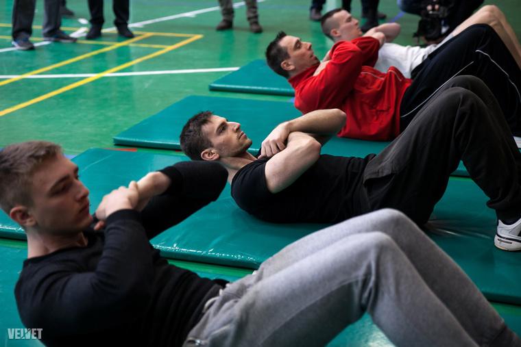 A leendő börtönőröknek komoly fizikai és erőnléti vizsgát kell tenniük