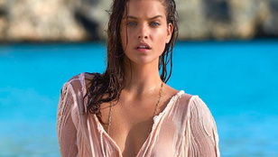 Lesz, aki idén is lekövérezi a bikinis Palvin Barbarát?