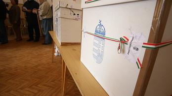 Závecz: Majdnem annyian szavaznának a Fideszre, mint a teljes ellenzékre