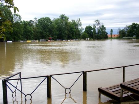 A sportpálya víz alatt (olvasónk Magyar Béla képe)