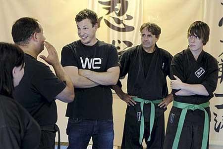 Michael Zinke és az őt megmentő nindzsák
