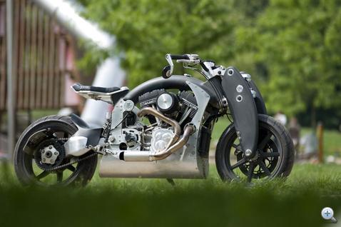V2, de nem chopper. A Wraith egy sportos utcai motor geometriájával rendelkezik