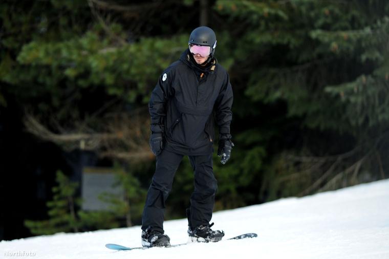 David Beckham, az ász!A tapasztalt hegyi róka kecsesen siklik tovább, menjünk mi is dolgozni! Viszlát!