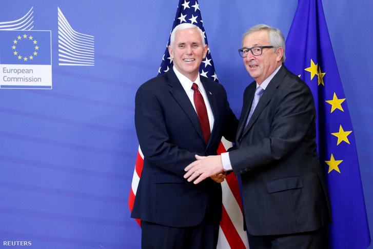 Az amerikai alelnök Jean-Claude Juncker társaságában