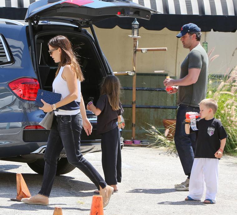 Afflecknek egyébként három gyermeke van: Violet, Samuel és Seraphina