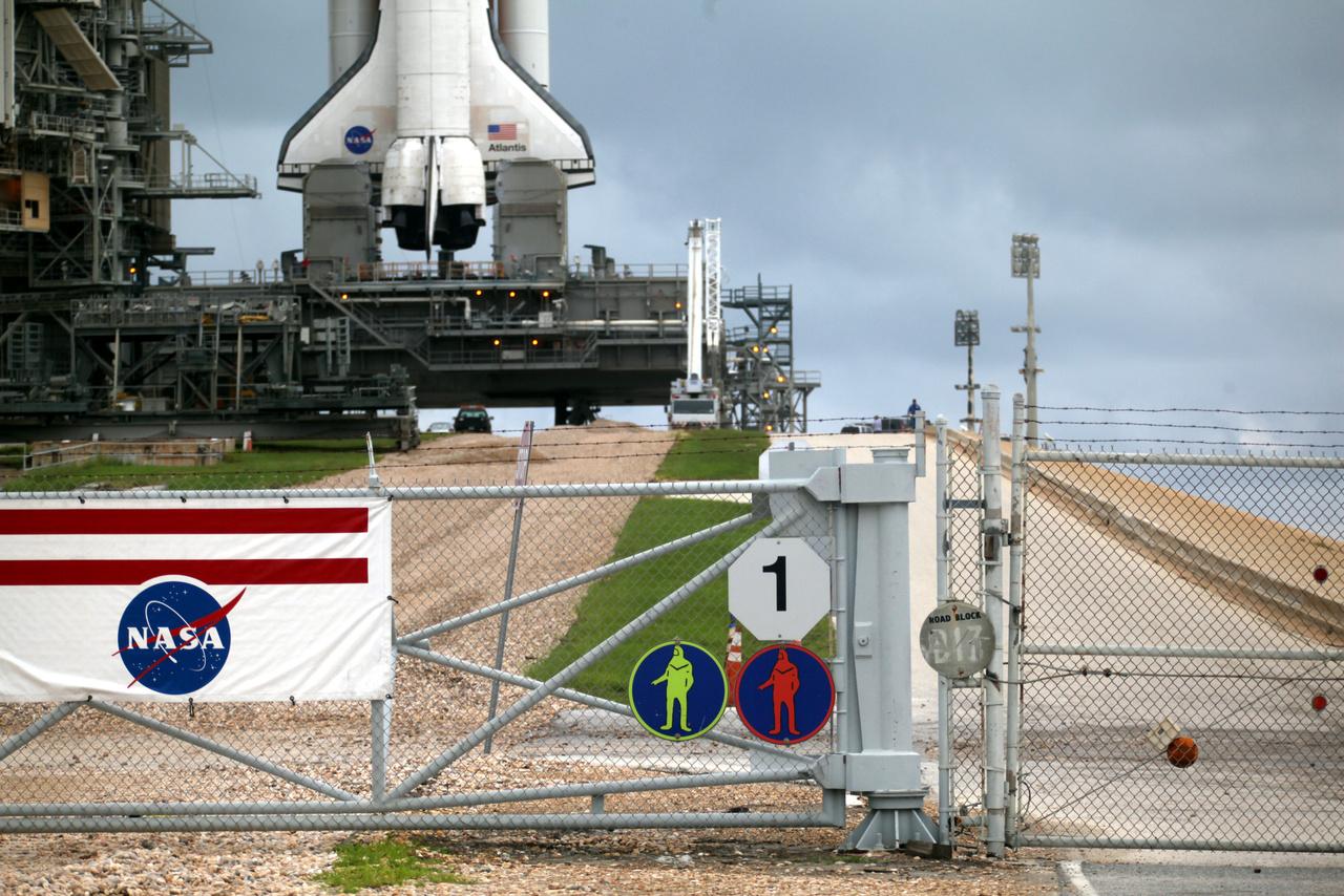 A 39A startállás és az utolsó űrsiklóküldetésre készülő Atlantis.