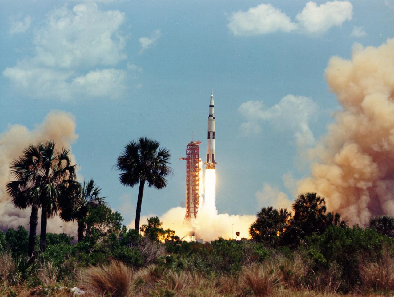 1972. április 16. Az Apollo-16 startja.