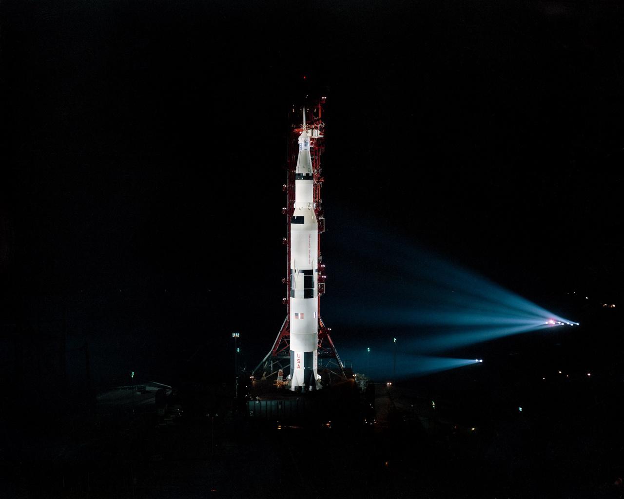 1971. február: Az Apollo-14 egy visszaszámlálásos teszt közben.