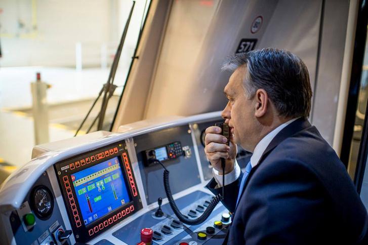 Orbán Viktor a 4-es metró átadásán