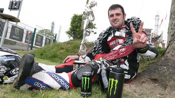 Michael Dunlop Ducatival indul a Man TT-n
