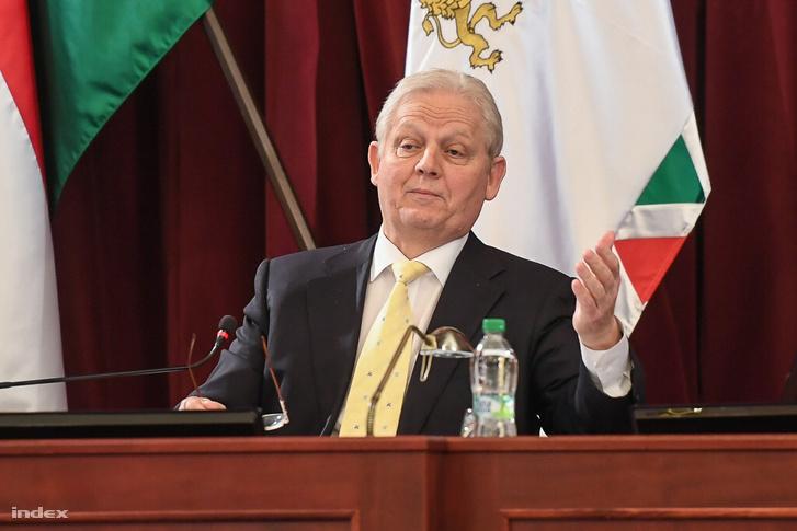 Tarlós István a fővárosi közgyűlés szerdai vitanapján, ahol az olimpiarendezés a téma.