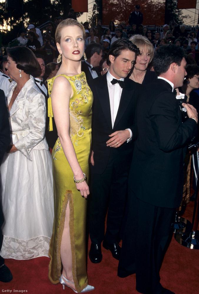 Míg Nicole Kidman még magasabbra vágyott akkori férje, Tom Cruise mellől, addig a színész azon morfondírozott, hogy vajon meddig tud észrevétlenül állva aludni