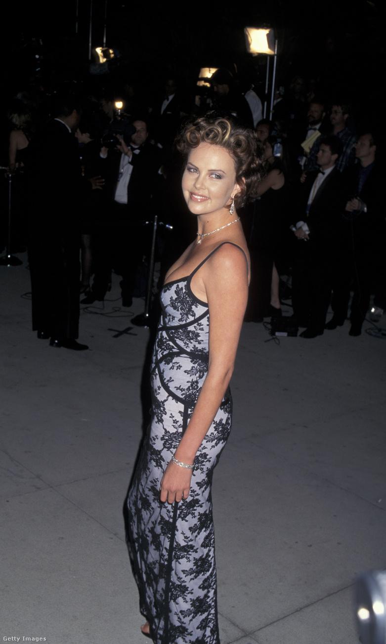 Charlize Theron így nézett ki 20 évvel ezelőtt, 21 évesen