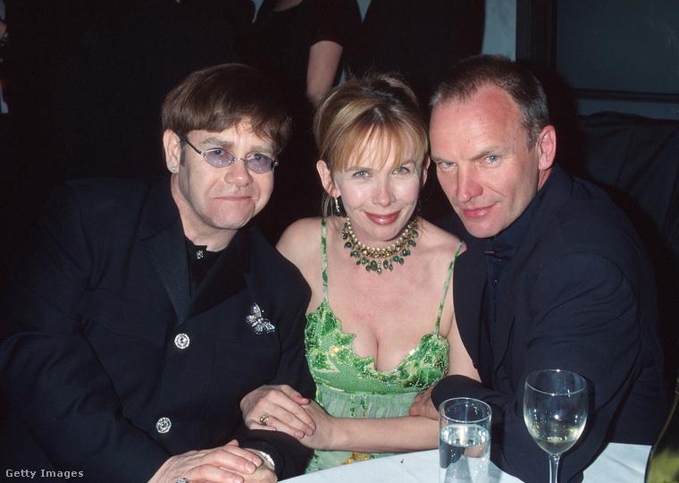 Nehezen tudunk állást foglalni a kérdésben, hogy vajon Elton John félmosolya vagy Sting igéző tekintete a vágykeltőbb Trudie Styler számára