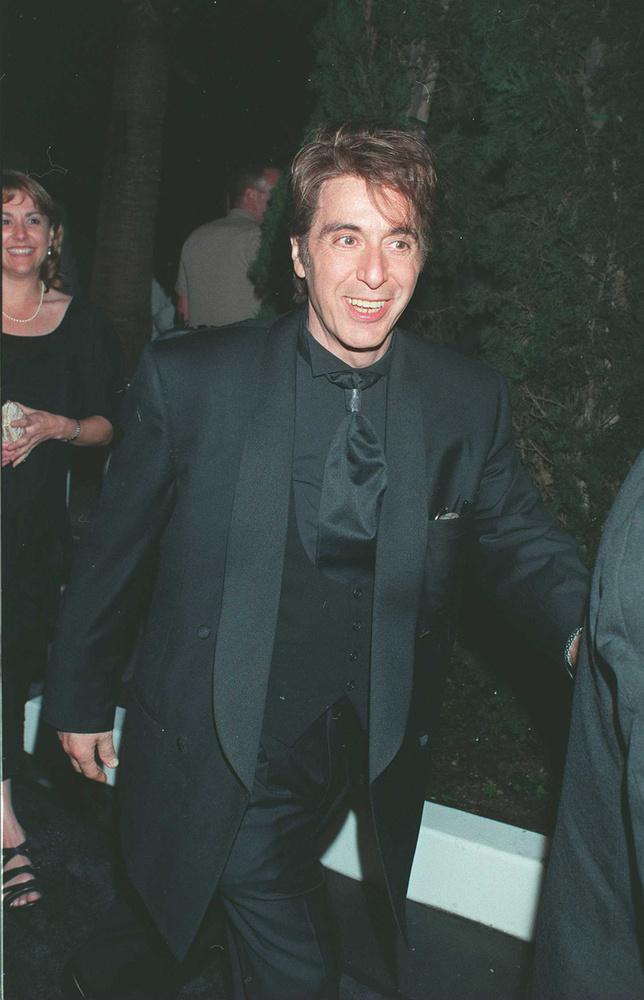 A szorosra húzott nyakkendőben az 1997-es Al Pacinót láthatja