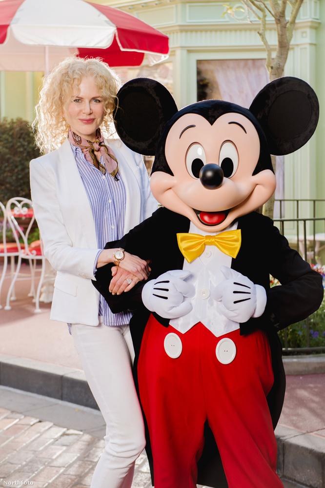 Épp a családjával nyaralt, amikor beugrottak a Disney Worldbe.