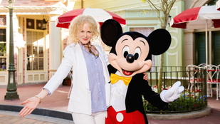 Felismeri a Miki egérrel pózoló Oscar-díjas színésznőt?