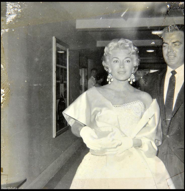 Lana Turner színésznő viszonylag sokszor házasodott életében: a képen az ötödik férjével, Fred May zeneszerzővel látható
