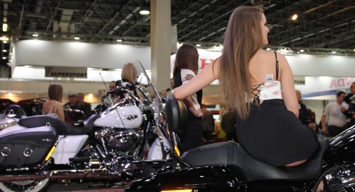 Csaj Harley-n