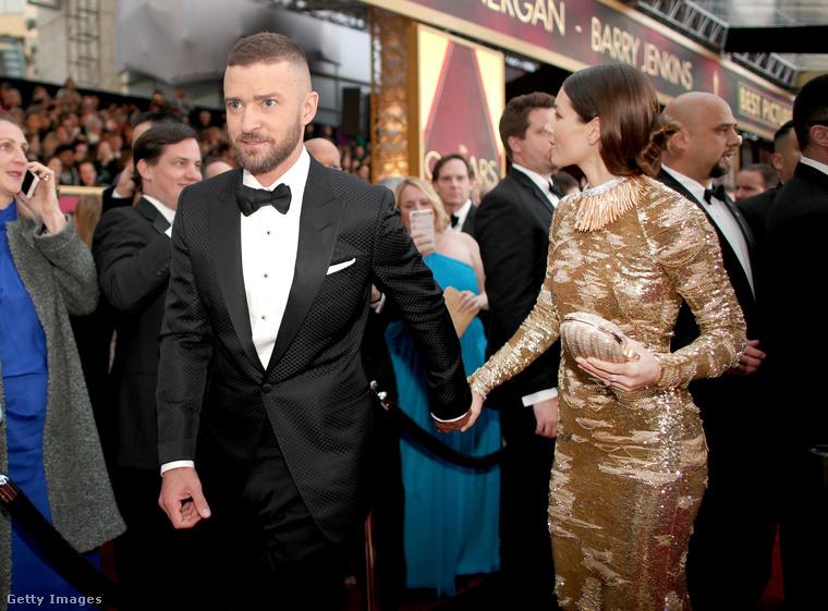 Justin Timberake és Oscar-díjnak öltözött felesége, Jessica Biel, eléggé feldobták a hangulatot vasárnap este a vörös szőnyegen.