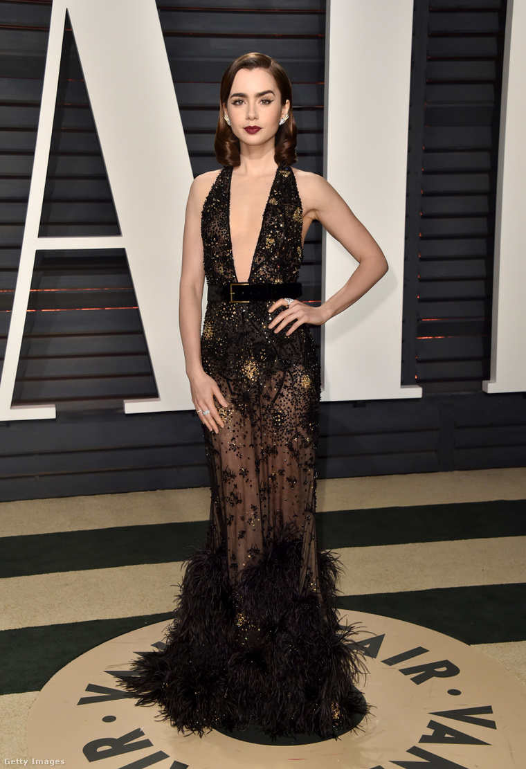 Lily Collins ortodox celebtesttartással a Vanity Fair Oscar-partiján.