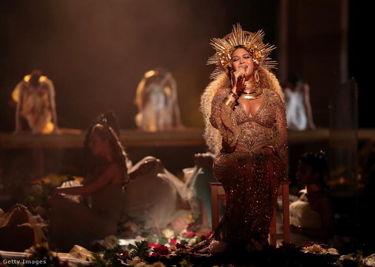 Beyoncé előadása a 2017-es Grammy-gálán.