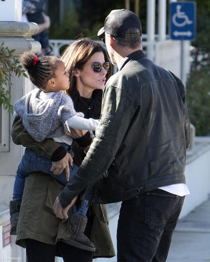 Sandra Bullock az utóbbi időben nem nagyon beszél magánéletéről, talán pont azért is, mert volt férje próbál nem szép dolgokat világgá kürtölni róla.