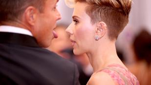 De ki ez a férfi Scarlett Johansson oldalán?