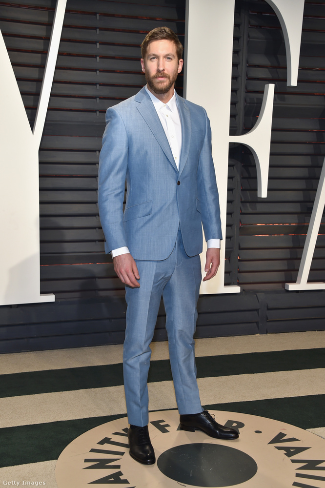 Itt pedig Calvin Harrist, aki kék óriásként éledt újra a Taylor Swift-balhé után.
