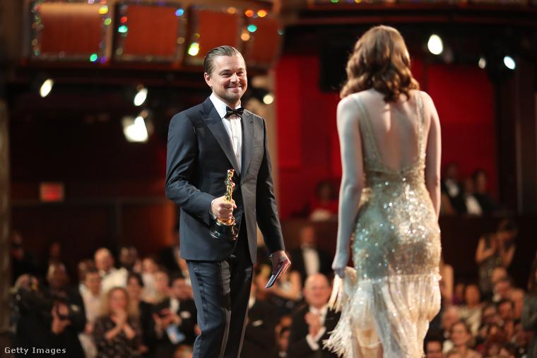 Bizonyára emberek milliói álmodnak arról, hogy Leonardo DiCaprio így nézzen rájuk,