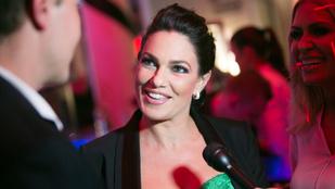Bódy Sylvi műsort vezet, Kovi pedig bevezeti a fakultatív pornó fogalmát