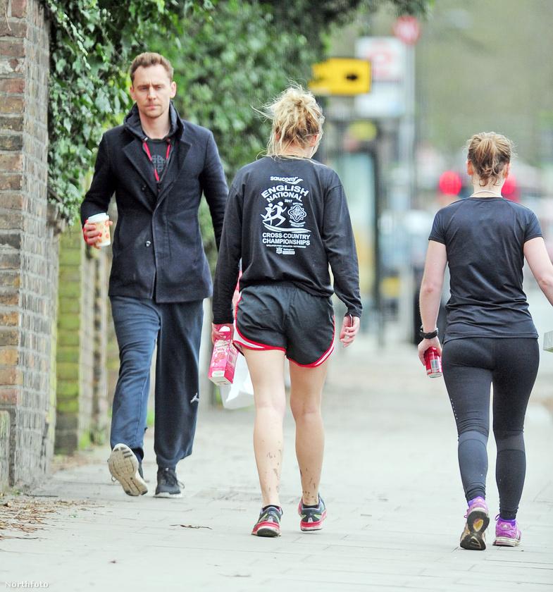 De aztán a szennyesbe került, és kénytelen volt ebben a szerelésben bejárni London utcáit