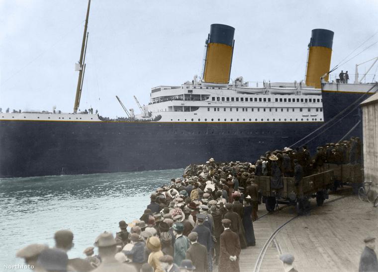 Furcsa érzés nézni ezeket a fotókat (hiszen tudjuk, hogy mi történt ezekkel az utasokkal), de mégis ezek a fotók segítenek abban, hogy elképzeljük, hogy milyen lehetett utazni a Titanicon