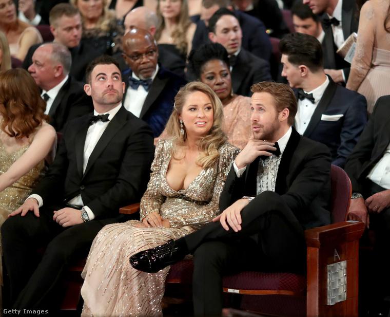 Balról jobbra: Emma Stone és testvére, Spencer, majd Mandi és Ryan Gosling.