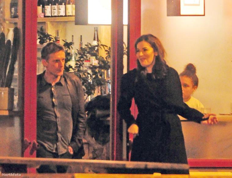 Nigella Lawson, brit tévés szakácsnőnek a jelek szerint új pasija van, egy északír újság- és forgatókönyvíró, bizonyos Ronan Bennett személyében