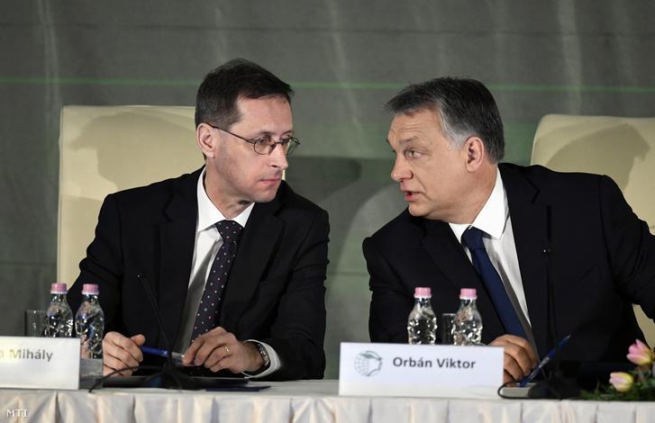 Varga Mihály és Orbán Viktor a MKIK rendezvényén