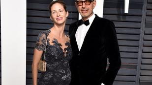 Másodszorra is fiút vár Jeff Goldblum felesége