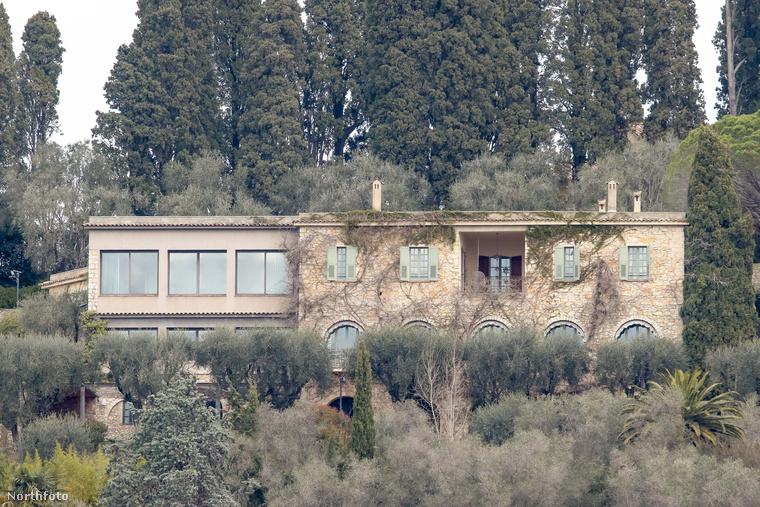 De nézzük a villát közelebbről, ami Cannestól 15 kilométerre található
