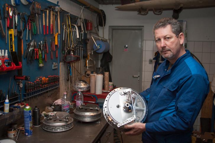 Az atyai örökség: a dobfékgyártás veterán versenymotorokhoz