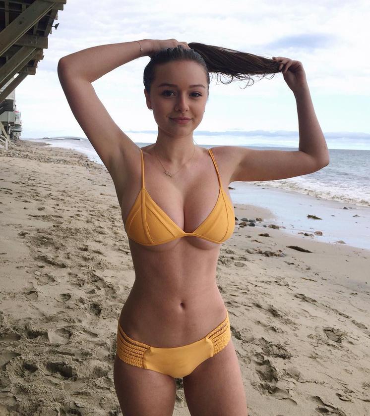 Sophie Mudd a Frankies Bikinies fürdőruháiban debütált modellként.
